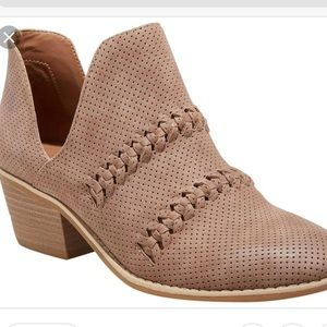 Women's braided bootie universal thread 8